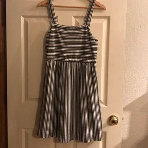 Cute Loft cotton dress. Size small